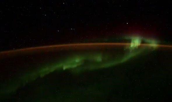 Nhà du hành vũ trụ Nga làm dấy lên giả thuyết người ngoài hành tinh là có thật? - Ảnh 2.