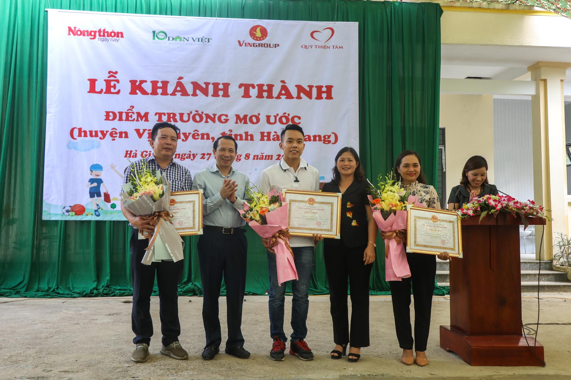 """Báo NTNN/Dân Việt - Quỹ Thiện Tâm: Khánh thành """"điểm trường mơ ước"""" đầu tiên tại Hà Giang - Ảnh 9."""