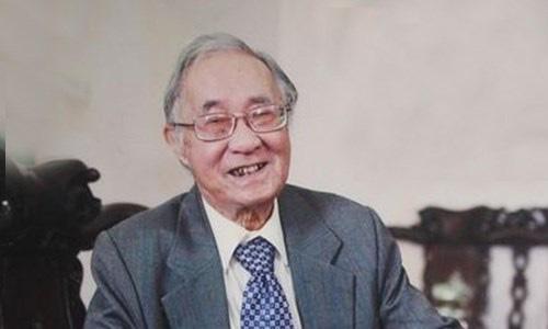 """Giáo sư Phan Ngọc - """"vua"""" dịch giả biết nhiều ngoại ngữ qua đời ở tuổi 96 - Ảnh 1."""