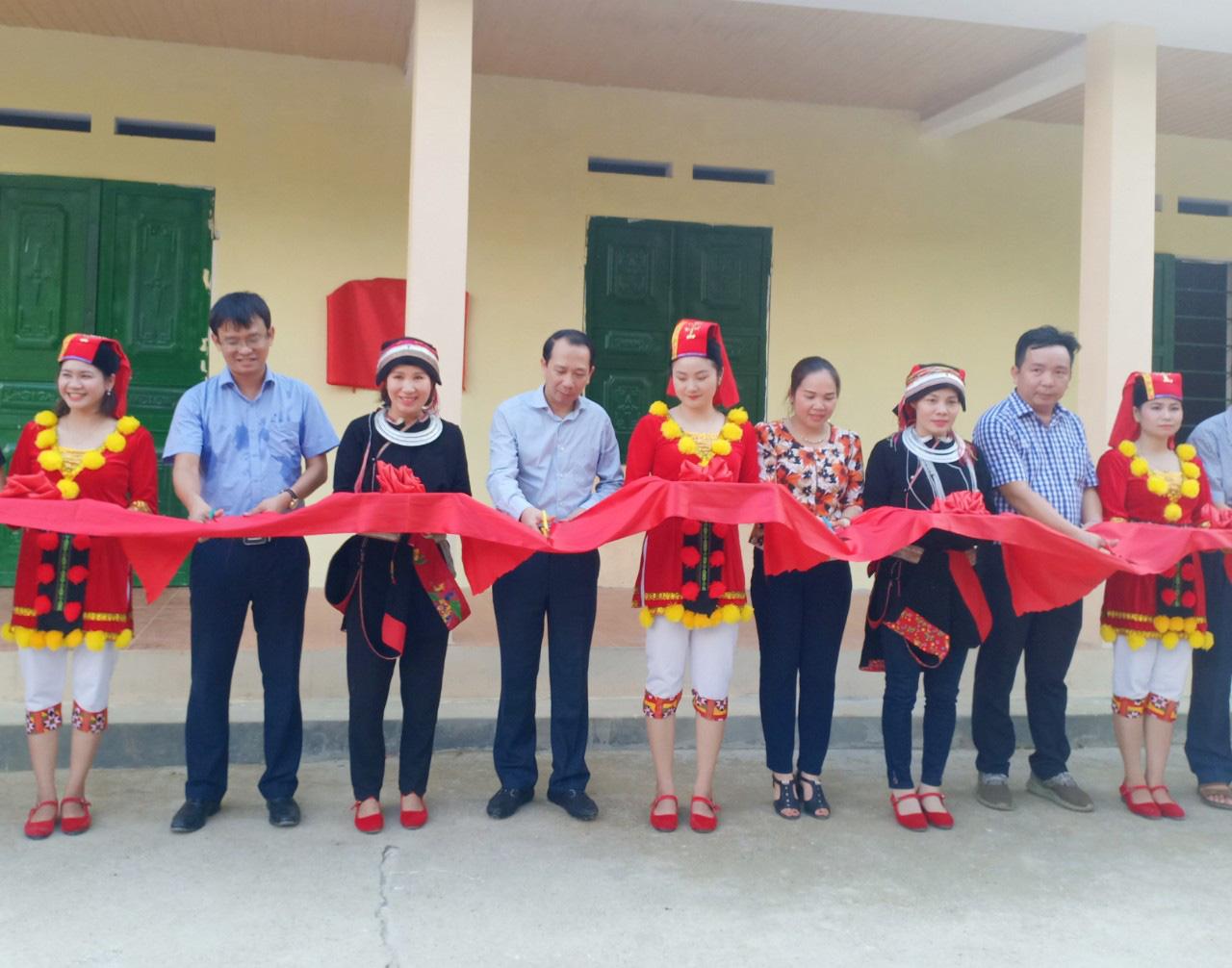 """Báo NTNN/Dân Việt - Quỹ Thiện Tâm: Khánh thành """"điểm trường mơ ước"""" đầu tiên tại Hà Giang - Ảnh 4."""