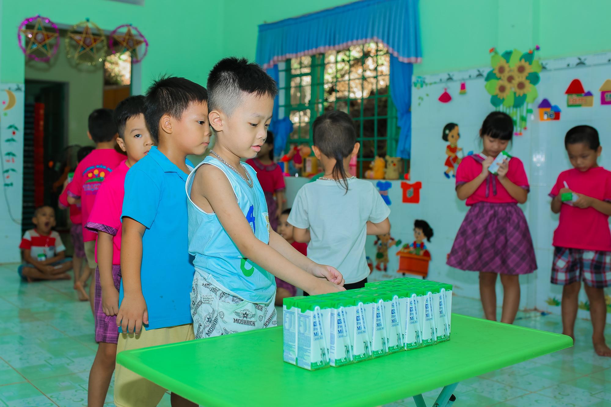 Sữa học đường sẵn sàng cho ngày tựu trường năm học mới - Ảnh 1.