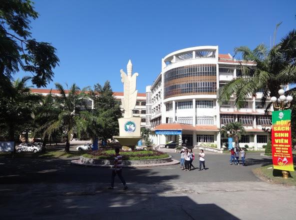 Nóng: Trường đại học Đồng Nai sửa bài thi, bỏ ngoài sổ sách hơn 63 tỉ đồng - Ảnh 1.