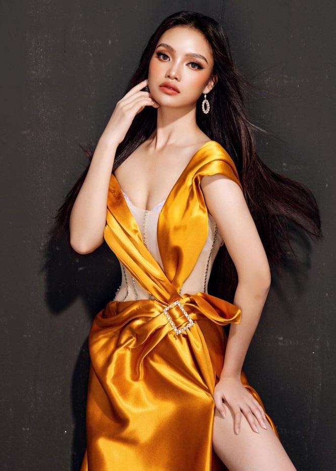 """10X xinh đẹp tựa nữ thần hé lộ bị ép lấy chồng năm 17 tuổi, gây """"sốt"""" mạng thi Hoa hậu Việt Nam - Ảnh 3."""
