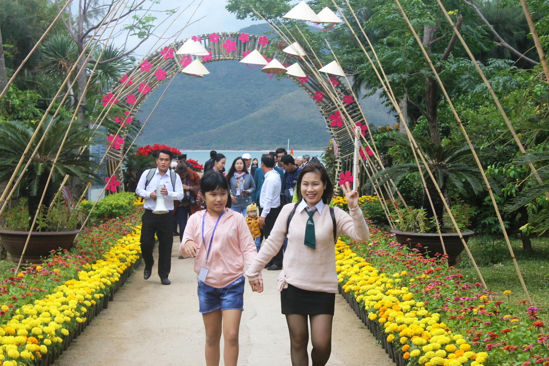 Các khu du lịch Nha Trang sẽ đón khách trở lại vào dịp lễ - Ảnh 1.