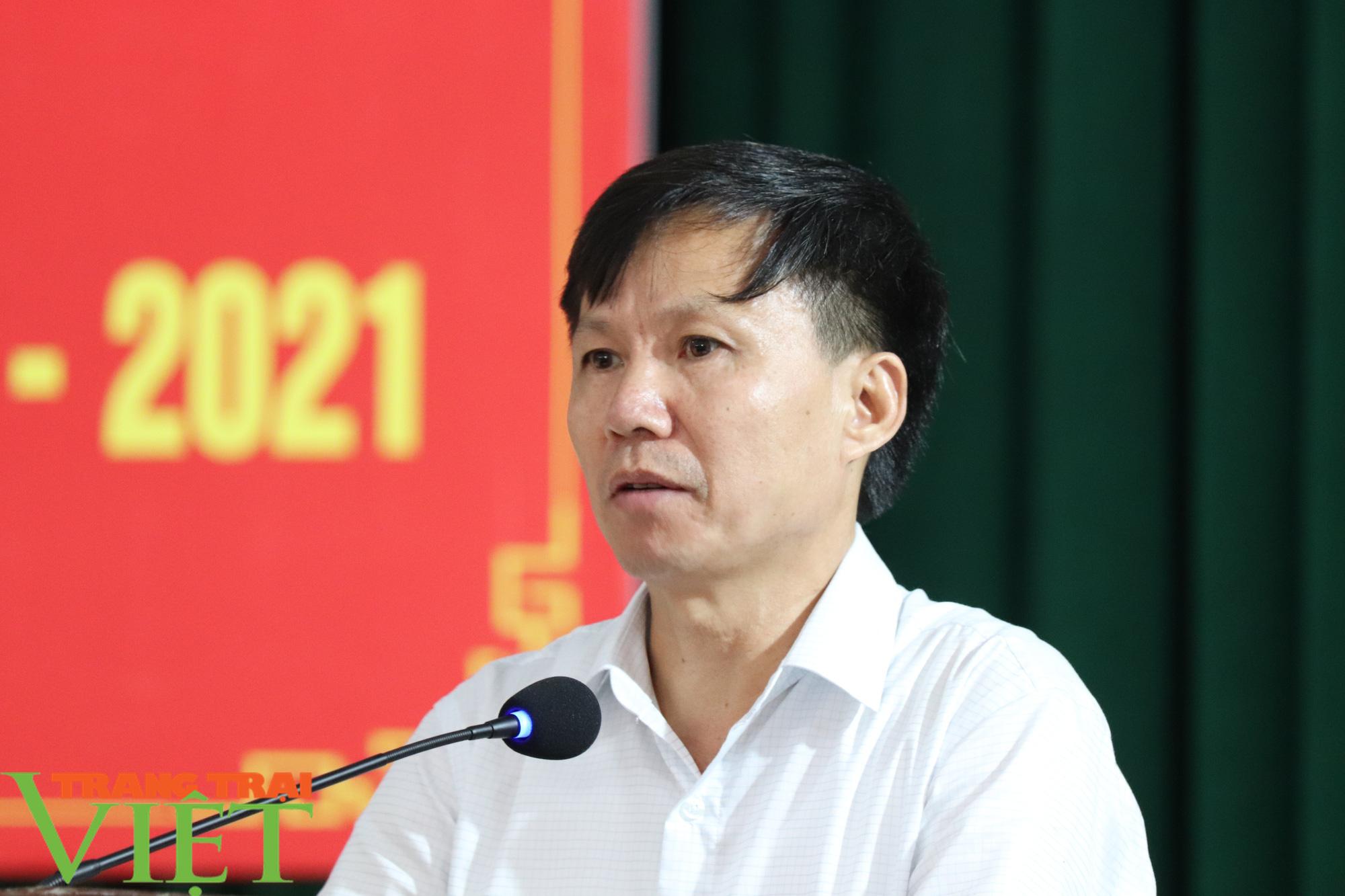 UBND huyện Phù Yên tổ chức Hội nghị tổng kết năm học 2019 – 2020 - Ảnh 2.