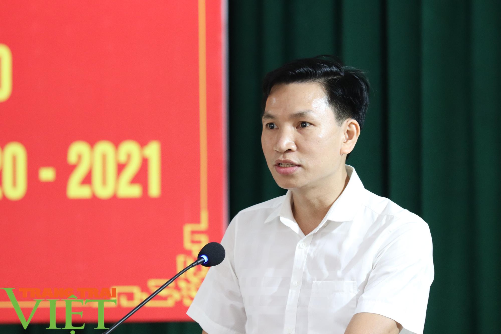 UBND huyện Phù Yên tổ chức Hội nghị tổng kết năm học 2019 – 2020 - Ảnh 4.