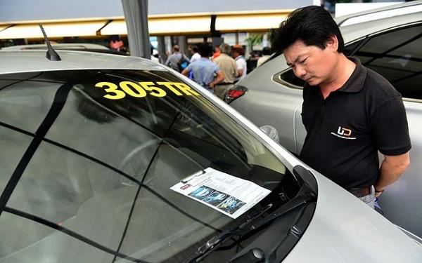 """""""Đua"""" thanh lý ô tô, hàng loạt xe giá từ 60-200 triệu: Chỉ là thủ thuật """"câu"""" khách? - Ảnh 3."""