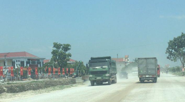 Hải Dương: Xe tải cơi nới, chạy rầm rập suốt ngày đêm qua Ninh Giang - Ảnh 3.