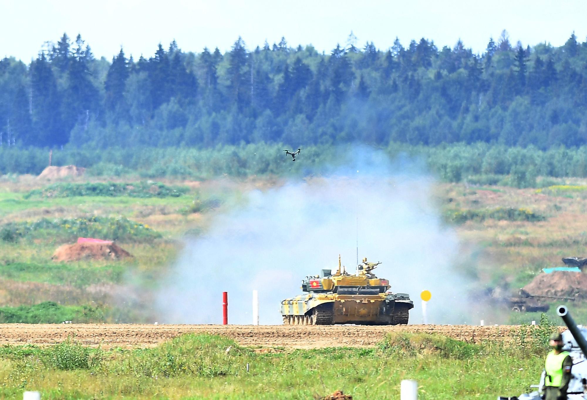 Hình ảnh xe tăng Việt Nam hùng dũng thi đấu ở trận 2 Tank Biathlon - Army Games 2020 - Ảnh 4.
