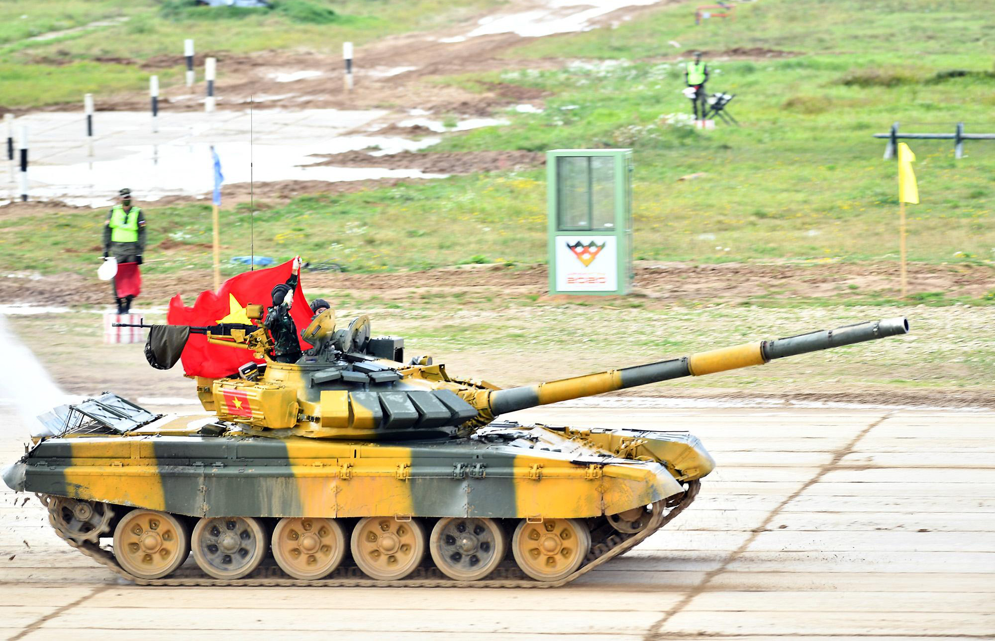 Hình ảnh xe tăng Việt Nam hùng dũng thi đấu ở trận 2 Tank Biathlon - Army Games 2020 - Ảnh 6.