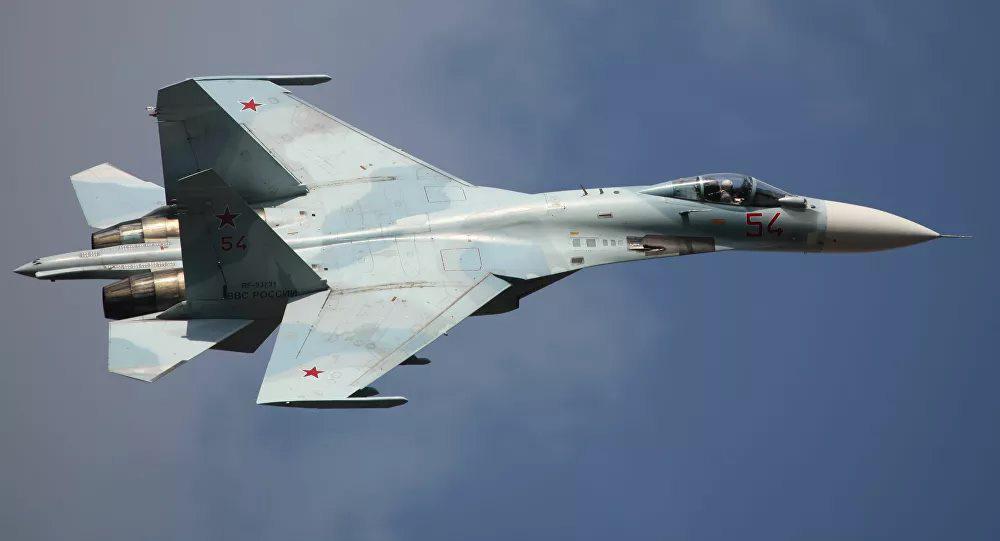 Nga tung Su-27 chặn đứng máy bay ném bom chiến lược B-52H của Mỹ ở biển Baltic - Ảnh 1.