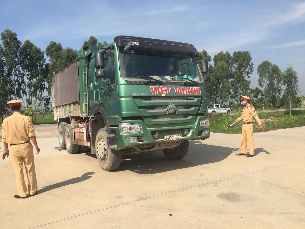 Hải Dương: Tăng cường xử lý xe quá tải qua Ninh Giang - Ảnh 6.