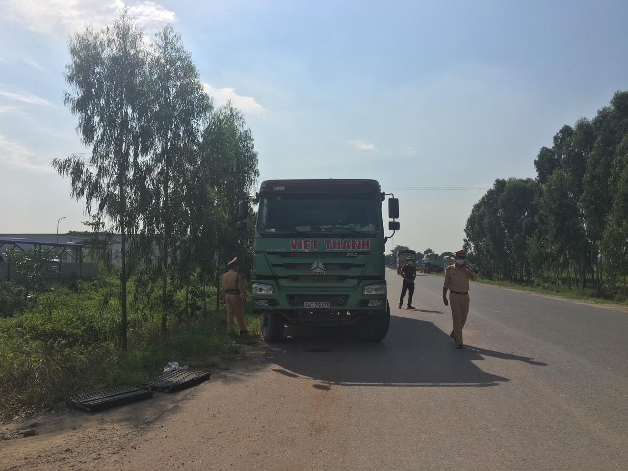 Hải Dương: Tăng cường xử lý xe quá tải qua Ninh Giang - Ảnh 7.