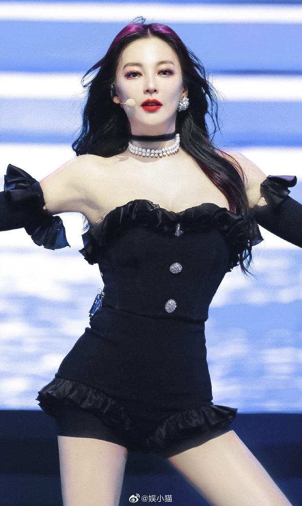 """""""Song Hye Kyo Trung Quốc"""" gây """"sốt"""" mạng vì mặc váy cưới mong manh đẹp tựa nữ thần - Ảnh 6."""