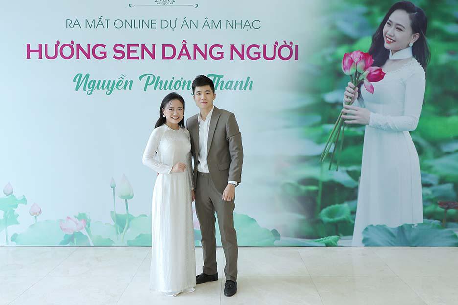 """Ca sĩ Phương Thanh bật khóc khi nói lời cám ơn bố mẹ trong ngày ra mắt """"Hương Sen dâng Người""""  - Ảnh 3."""
