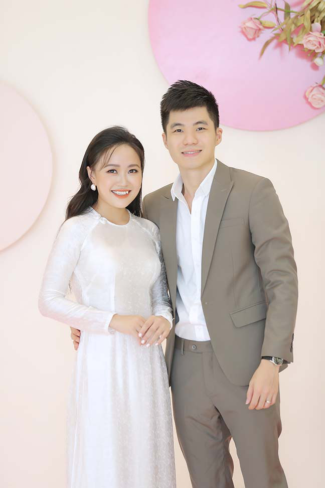 """Ca sĩ Phương Thanh bật khóc khi nói lời cám ơn bố mẹ trong ngày ra mắt """"Hương Sen dâng Người""""  - Ảnh 4."""