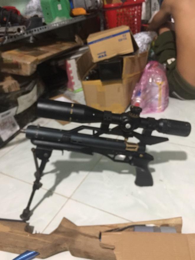 Bắt 2 đối tượng thuê nhà sản xuất súng - Ảnh 4.