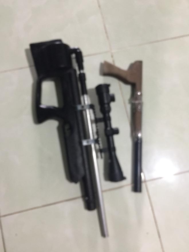 Bắt 2 đối tượng thuê nhà sản xuất súng - Ảnh 3.