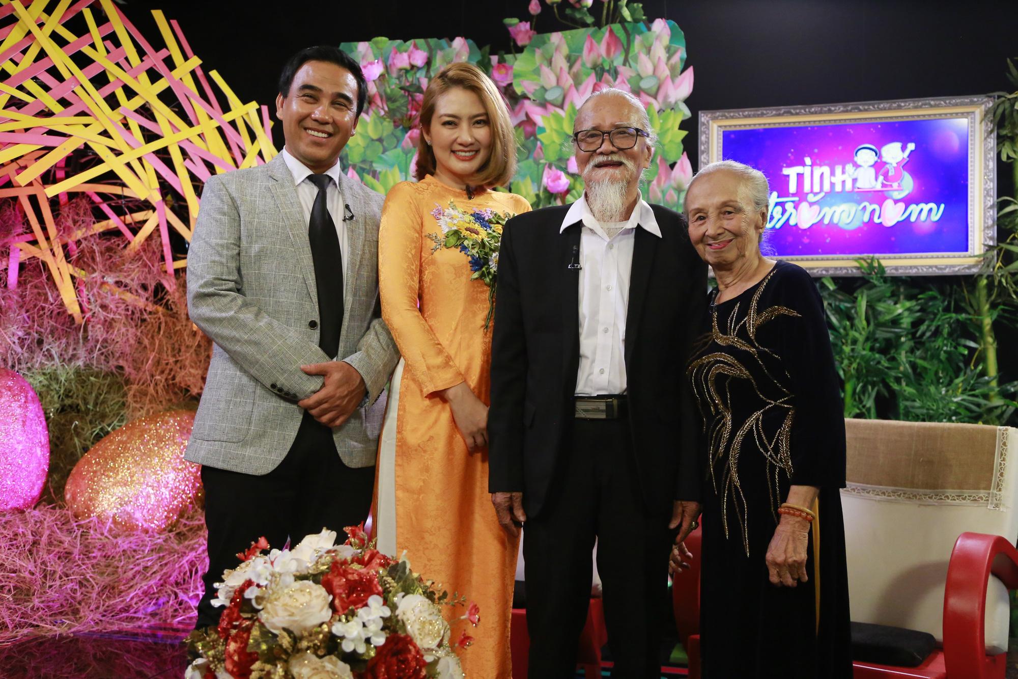 Quyền Linh, Ngọc Lan xúc động khi dẫn chương trình chuyện tình của các cụ ông, cụ bà - Ảnh 2.