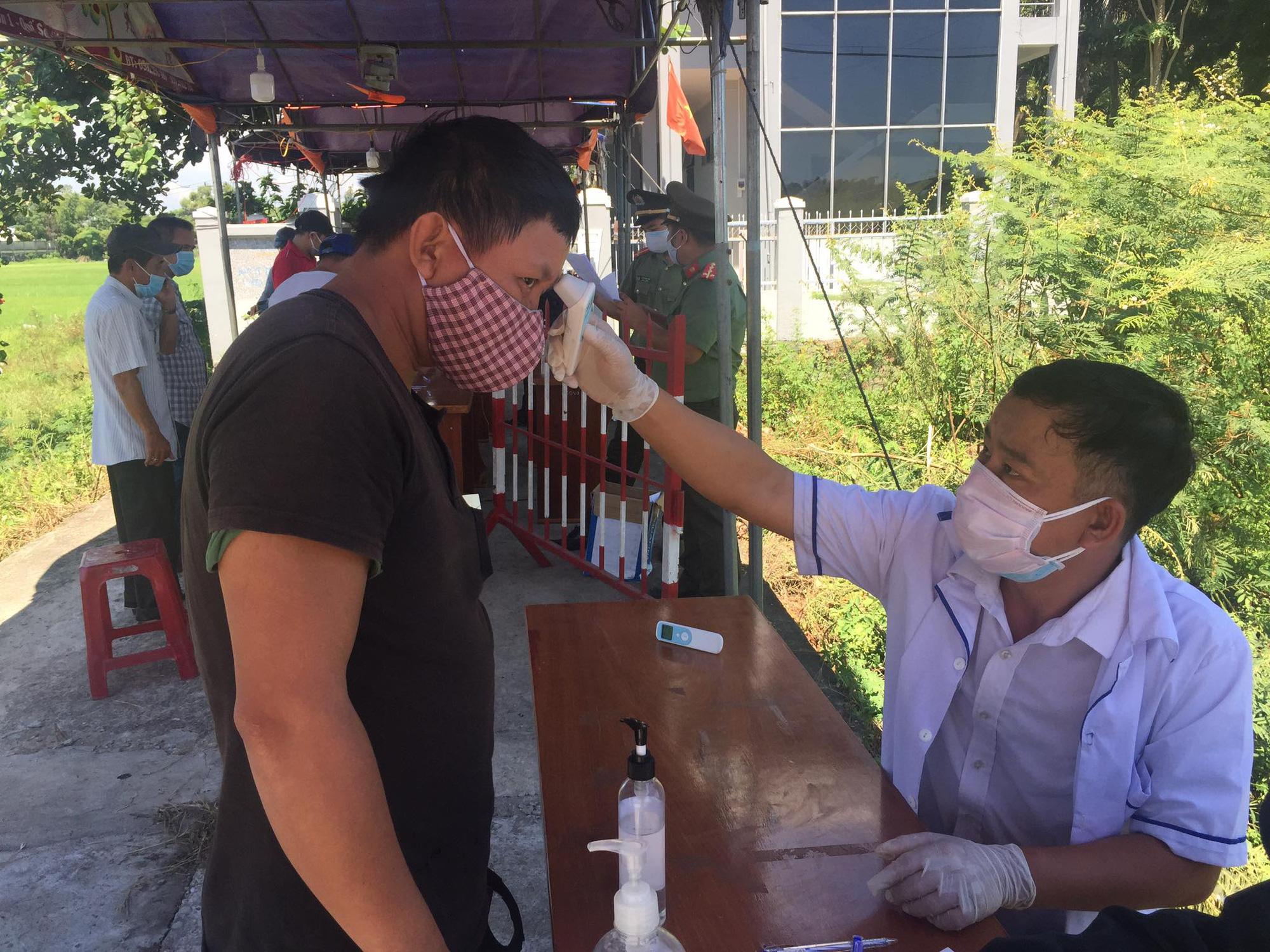 Quảng Nam: Khẩn trương truy tìm người tiếp xúc với quản đốc quản lý 400 công nhân - Ảnh 3.