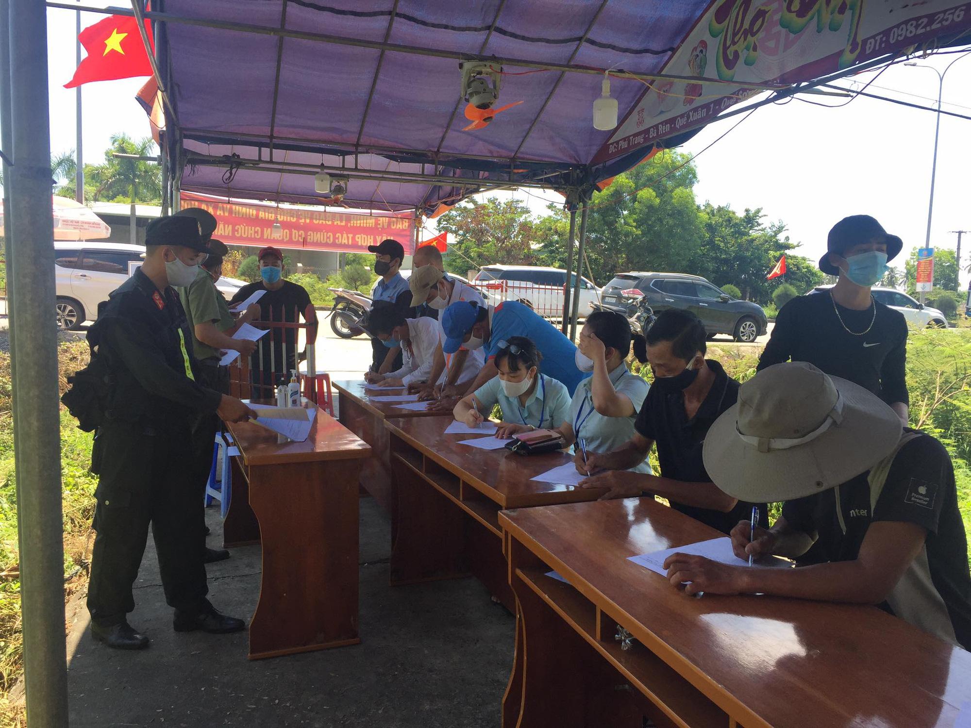 Quảng Nam: Khẩn trương truy tìm người tiếp xúc với quản đốc quản lý 400 công nhân - Ảnh 2.