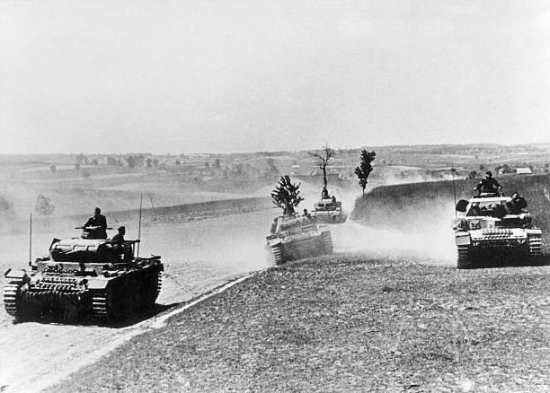700 xe tăng Đức khiến 3.500 xe tăng Liên Xô thảm bại thế nào? - Ảnh 10.