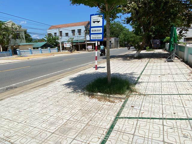 Quảng Ngãi: Lèm nhèm việc quản lý đầu tư đường giao thông nông thôn  - Ảnh 1.