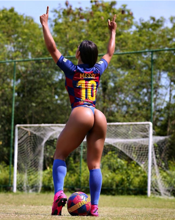 Fan nữ cuồng Messi nổi đóa, chỉ trích chủ tịch Barca - Ảnh 3.