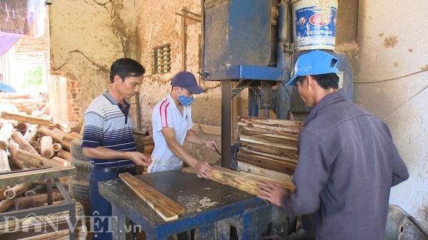 Phú Thọ: Từ hộ nghèo người dân phải góp tiền xây nhà, thành tỷ phú nhờ nghề gỗ công nghiệp - Ảnh 4.