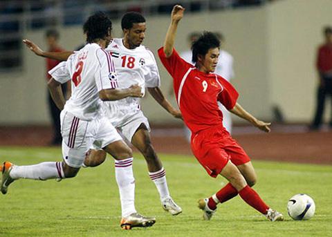 Siêu phẩm của Công Vinh tranh giải bàn thắng đẹp nhất lịch sử Asian Cup - Ảnh 1.