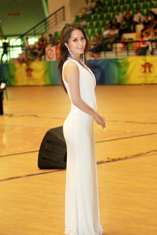 5 tuyệt sắc giai nhân làng giải trí Việt Nam có gốc... thể thao - Ảnh 2.