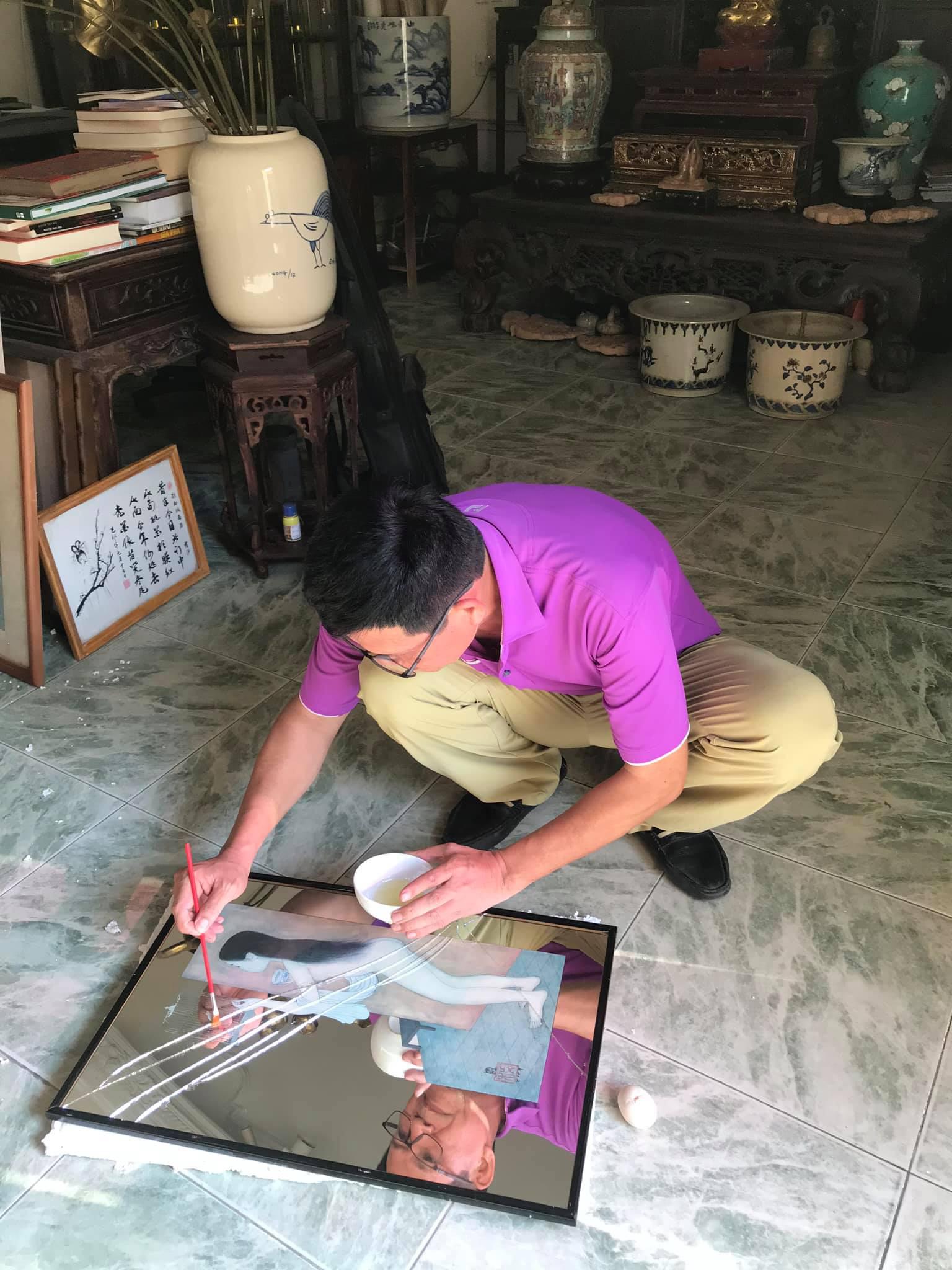 """Tuấn """"cá sấu"""" đau xót vì vỡ độc bản trên gương của họa sĩ Mai Trung Thứ  - Ảnh 1."""