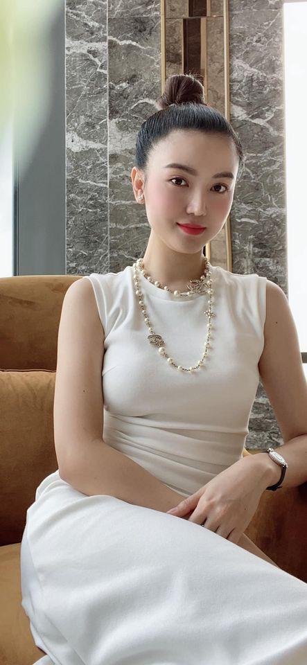 Hari Won mặc xuyên thấu nội y, Phi Thanh Vân táo bạo với váy trễ vai dễ gây nhìn nhầm - Ảnh 7.