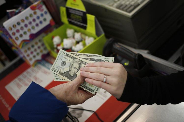 Giá vàng leo dốc vì lo ngại lạm phát, nhưng liệu lạm phát có xảy ra? - Ảnh 3.