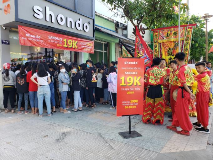 CEO 9x gây dựng thương hiệu giày Việt từ 10 triệu đồng  - Ảnh 3.