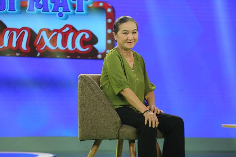 Cô gái 41 tuổi rơi nước mắt nhận ra lỗi lầm với mẹ sau khi nghe MC Quyền Linh kể chuyện - Ảnh 1.