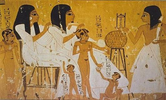 Cách thử thai, điều chế tình dược huyền bí thời Ai Cập cổ đại - Ảnh 1.