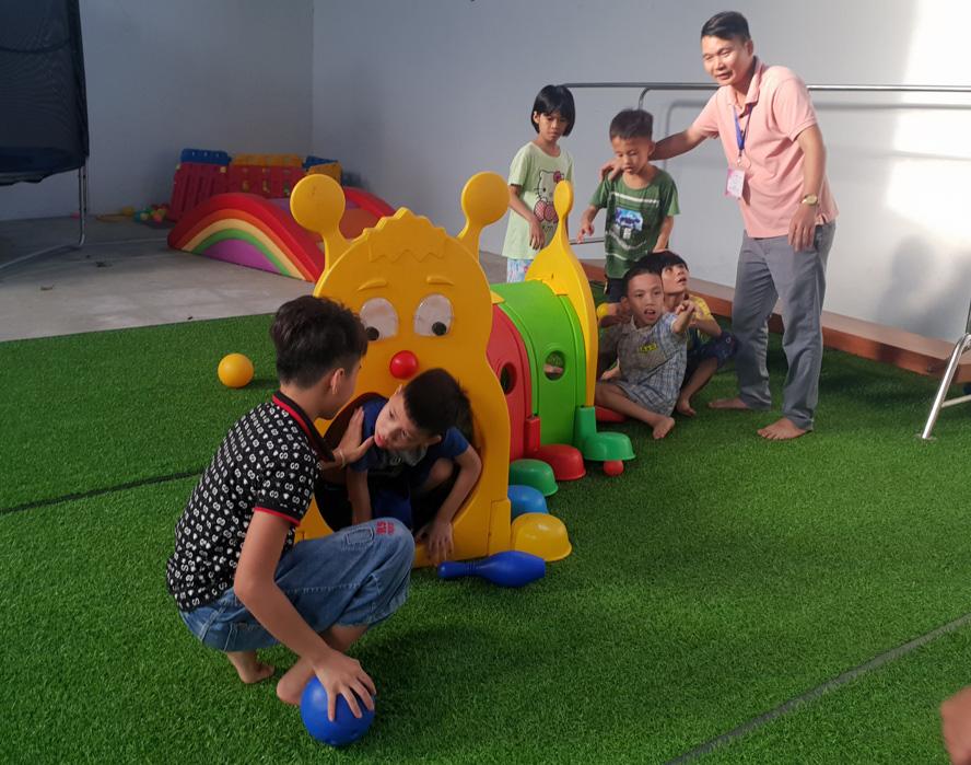 Tăng cường đào tạo nghề công tác xã hội trợ giúp trẻ tự kỷ - Ảnh 1.