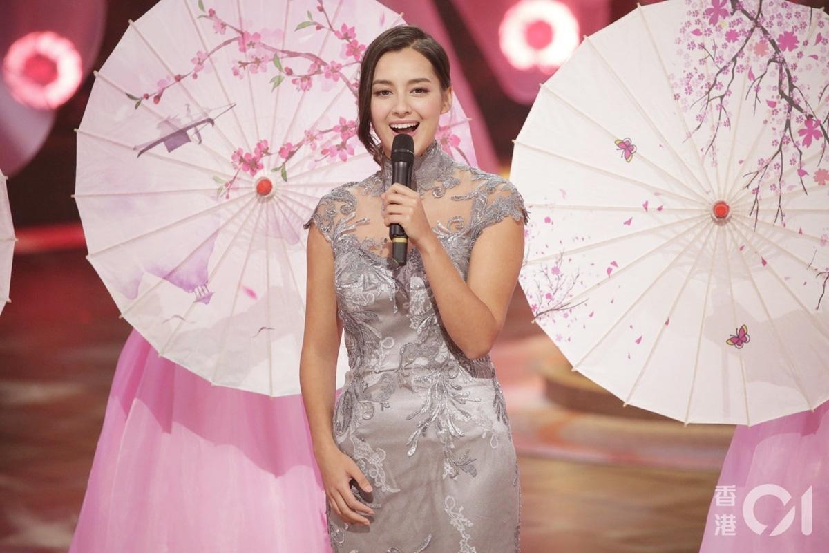 """Tân Hoa hậu Hong Kong giống """"mỹ nhân đẹp nhất Philippines"""" Marian Rivera: Lộ ảnh ngấn mỡ, bị chê lùn - Ảnh 6."""