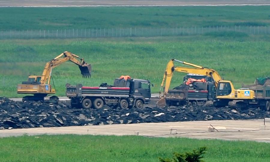 500 công nhân cải tạo đường băng Tân Sơn Nhất - Ảnh 12.