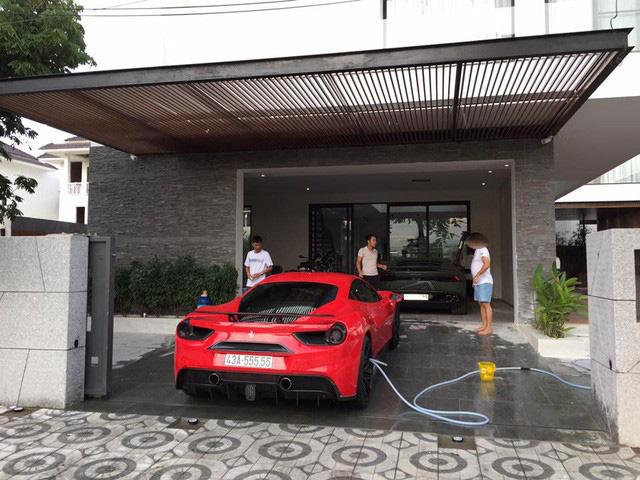 """Siêu xe Ferrari """"ngũ quý"""" 5 được rao bán 15 tỷ đồng, 4 năm ở Đà Nẵng chạy chưa quá 1.000 km - Ảnh 3."""