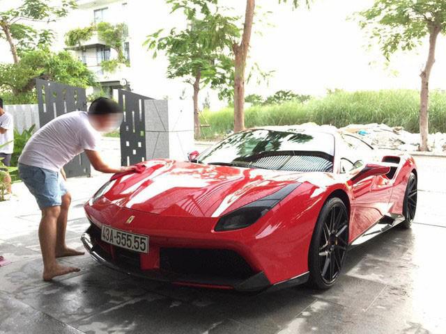 """Siêu xe Ferrari """"ngũ quý"""" 5 được rao bán 15 tỷ đồng, 4 năm ở Đà Nẵng chạy chưa quá 1.000 km - Ảnh 2."""