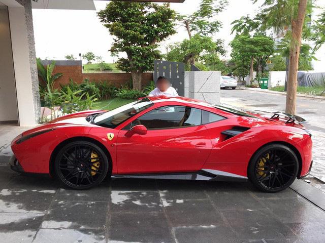 """Siêu xe Ferrari """"ngũ quý"""" 5 được rao bán 15 tỷ đồng, 4 năm ở Đà Nẵng chạy chưa quá 1.000 km - Ảnh 1."""