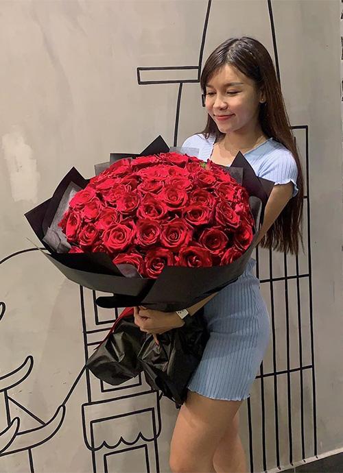 Bạn gái thủ thành Đặng Văn Lâm ngày càng sexy, khiến NHM ngẩn ngơ - Ảnh 2.