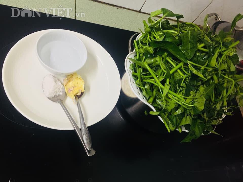 Chỉ cần làm điều này, đảm bảo món rau muống xào luôn giòn ngọt, xanh tươi - Ảnh 1.