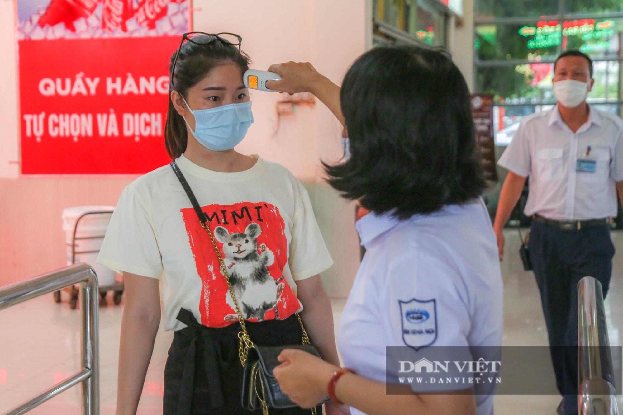 Các bến xe tại Hà Nội dùng biện pháp gì để phòng chống dịch Covid-19   - Ảnh 5.