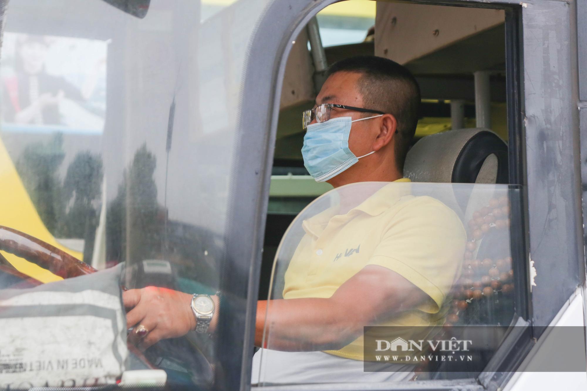 Các bến xe tại Hà Nội dùng biện pháp gì để phòng chống dịch Covid-19   - Ảnh 8.