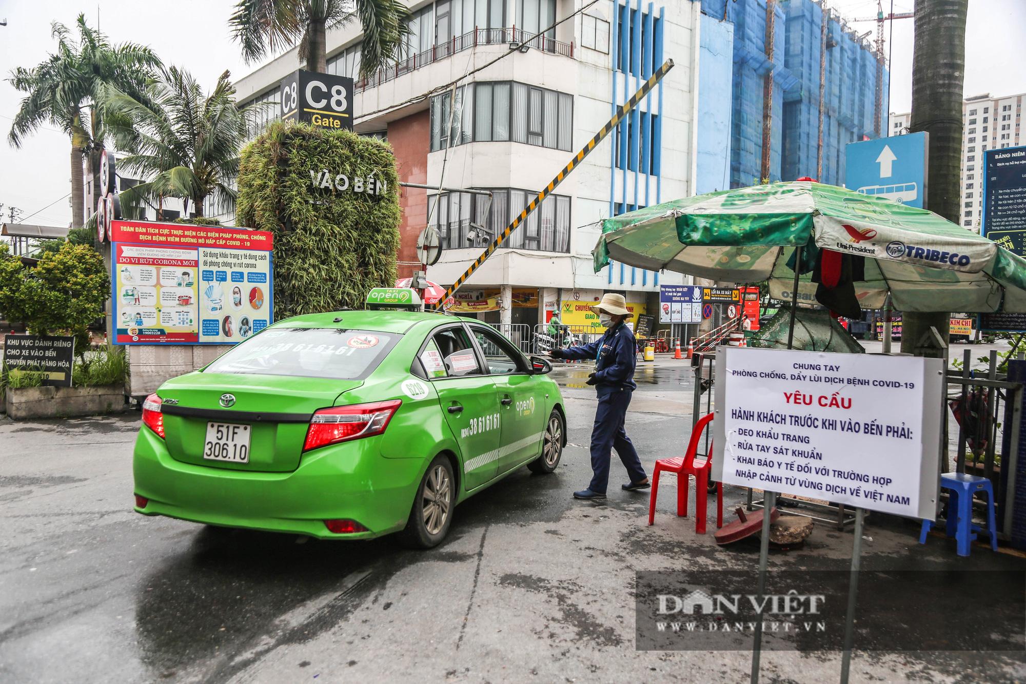 Các bến xe tại Hà Nội dùng biện pháp gì để phòng chống dịch Covid-19   - Ảnh 9.