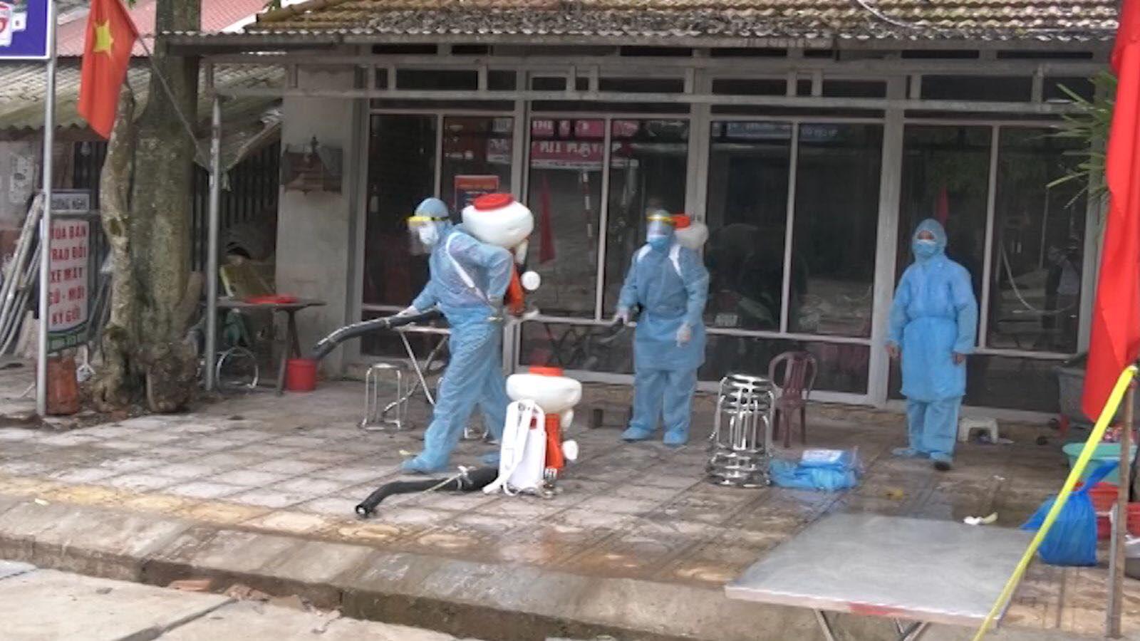 4 ca dương tính, Lạng Sơn lập 3 chốt kiểm dịch tại cửa ngõ huyện Đình Lập - Ảnh 4.