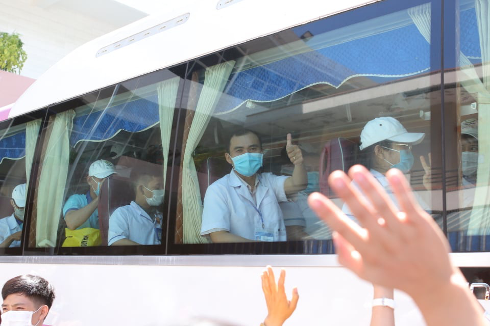 """25 y bác sĩ Bình Định sẽ """"kề vai sát cánh"""", cùng người Đà Nẵng chiến thắng dịch Covid-19 - Ảnh 3."""